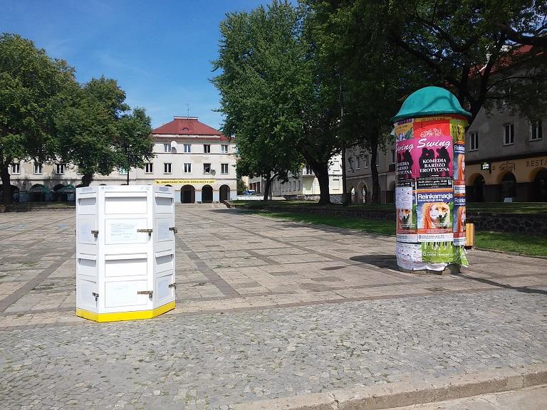 skrzynka na Starym Rynku oklejona 01 08 2015
